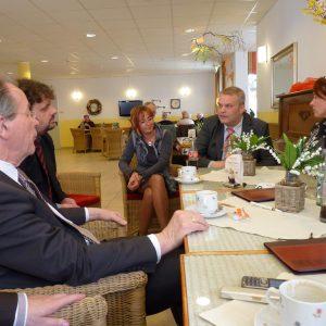 Pflegeheim Ensemble: Gespräch mit Herrn Heidbüchel und Herrn Roeser