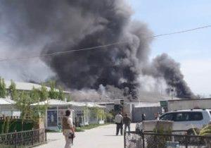 Rauchschwaden waren über dem Camp der deutschen Polizei in Kabul während eines Angriffs von Selbstmordattentätern zu sehen.
