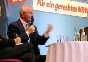 Carsten Ohm vom Sozialverband VdK, Gerhard Kompe, Vorsitzender der AG 60plus in NRW und Kreistagsabgeordneter Dierk Timm (v.l.) sprachen über Rentenpolitik
