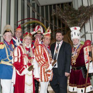 Dreigestirn der KG Fidelio Elsdorf besucht Guido van den Berg MdL