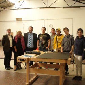 Brigitte Dmch-Schweren MdL und Guido van den Berg MdL besuchen die Jugendwerkstatt des ASH Sprunbrett e.V. in Bergheim