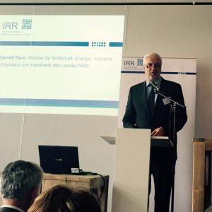 Minister Garrelt Duin auf dem Innovationstag der IRR GmbH