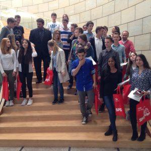 Besuch aus dem Erftgymnasium in Bergheim im Landtag