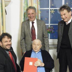 70 Jahre Parteimitgliedschaft Hans Burckhard mit Guido van den Berg MdL Rolf Heiringhoff und Johannes Mies