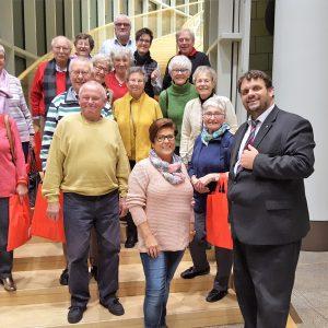 Unter Leitung Beate Wallraffs besuchte die AWO Stommeln ihren Abgeordneten Guido van den Berg in Düsseldorf.