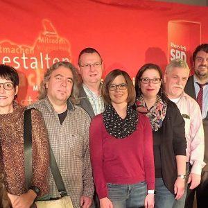 Guido van den Berg mit Mitgliedern des Bedburger SPD OVs