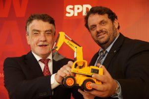 Bauminister Groschek und Guido van den Berg