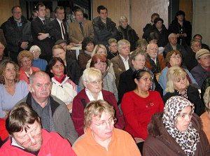 Viele Mieter der Erftland waren zu der SPD-Veranstaltung ins Medio gekommen