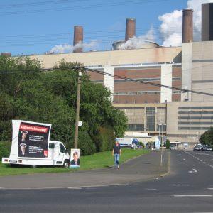 Plakat zur scheinheiligen Politik der Kraftwerkserneuerung von CDU/CSU