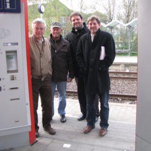 Sozialdemokraten am Bahnhof Bergheim