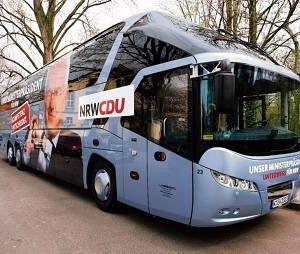 Mit diesem Luxusliner ist Ministerpräsident Jürgen Rüttgers auf Wahlkampftour. Der Bus dient auch als Büro. (Foto: CDU)