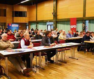 Volles Haus beim ersten SPD-Mitgliederparteitag