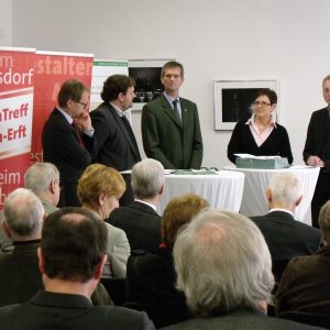 v.l.n.r.: Michael Eyll-Vetter, Guido van den Berg, Uwe Schölmerich, Cornelia Ruhkemper MdL, Dr. Joachim Bauer